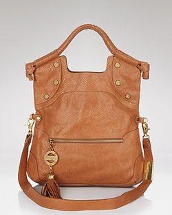 09022011b_womenbag